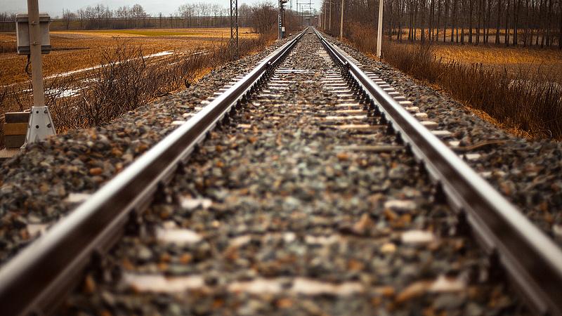 Késnek a vonatok, pótlóbuszok járnak