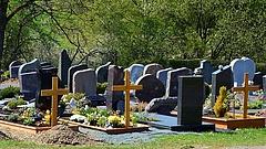 Egymillióan mentek ki a fővárosi temetőkbe