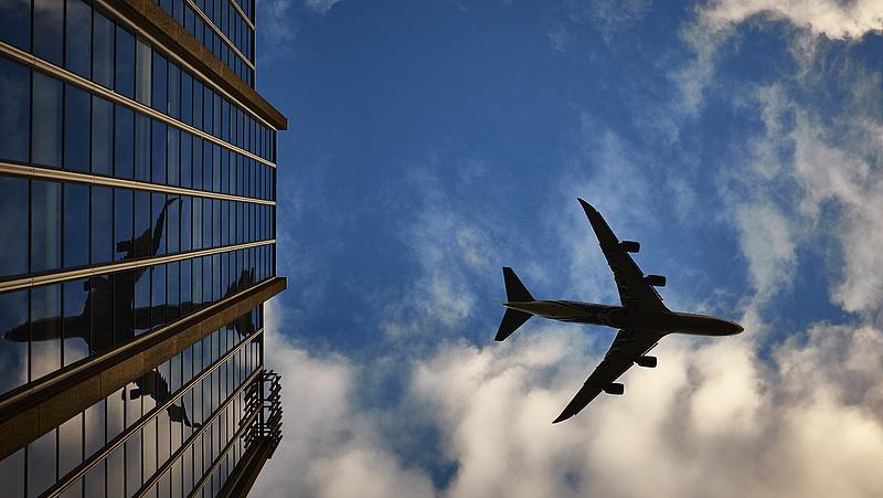 Kiadják a légi utasok adatait a szlovákok