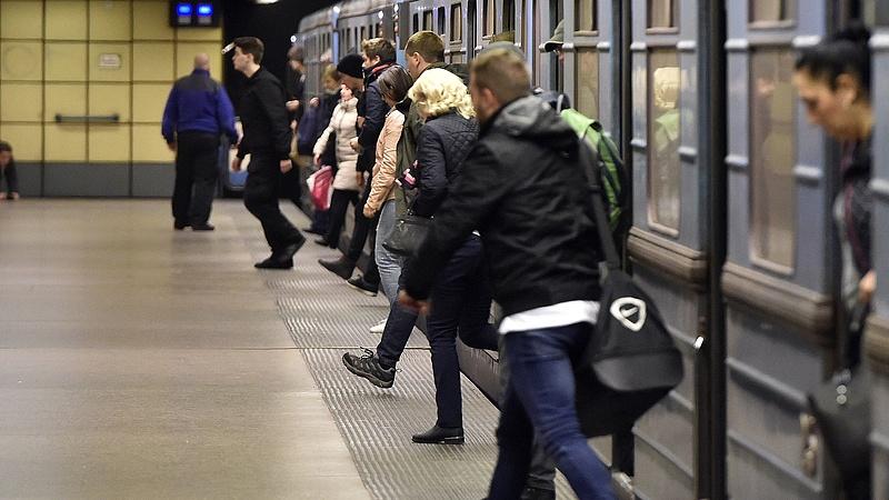Gázolt a 3-as metró, pótlóbuszok közlekednek