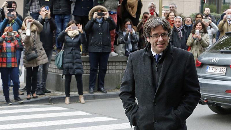 Carles Puigdemont nem ment el az EP-képviselők eskütételére