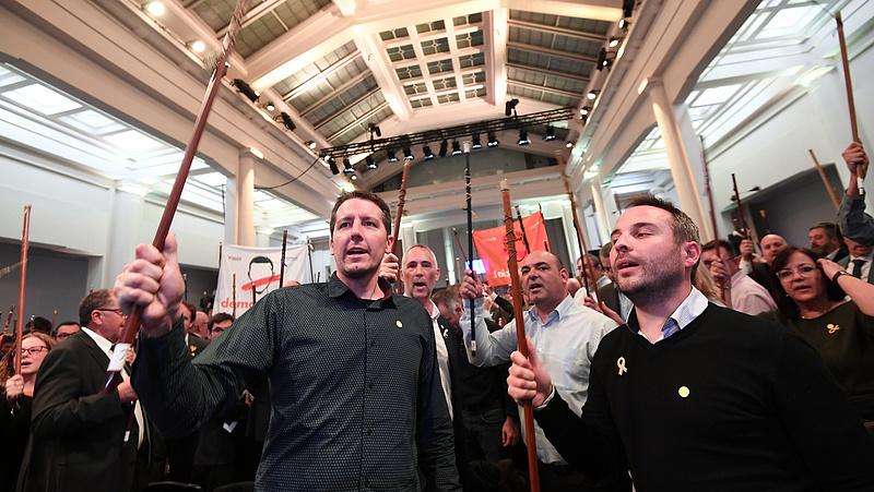 Katalán polgármesterek tüntettek Brüsszelben