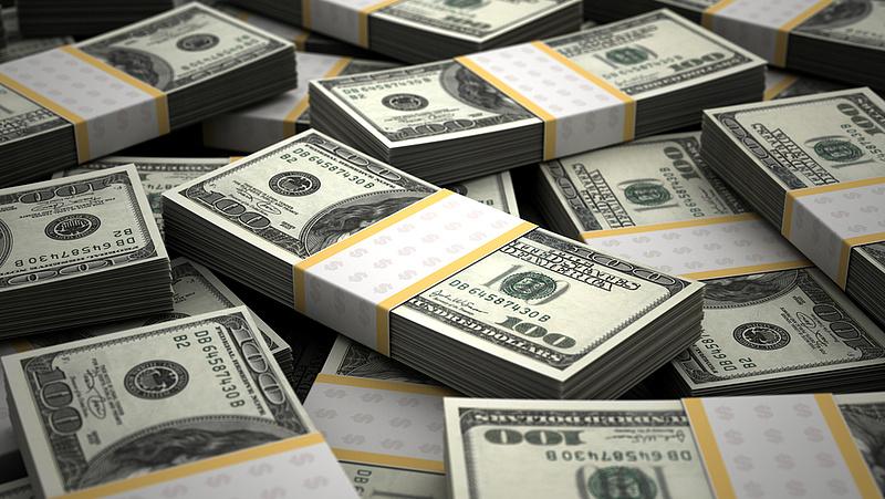 Ha devizába fektetne, akkor a dollár legyen az
