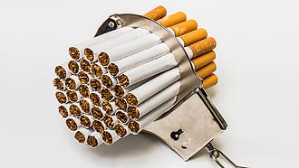 NAV: három megyében akadtak horogra cigaretta-, és szeszcsempészek