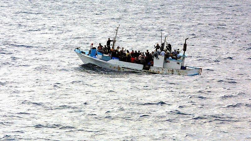 Milliárdokat kerestek az embercsempészek