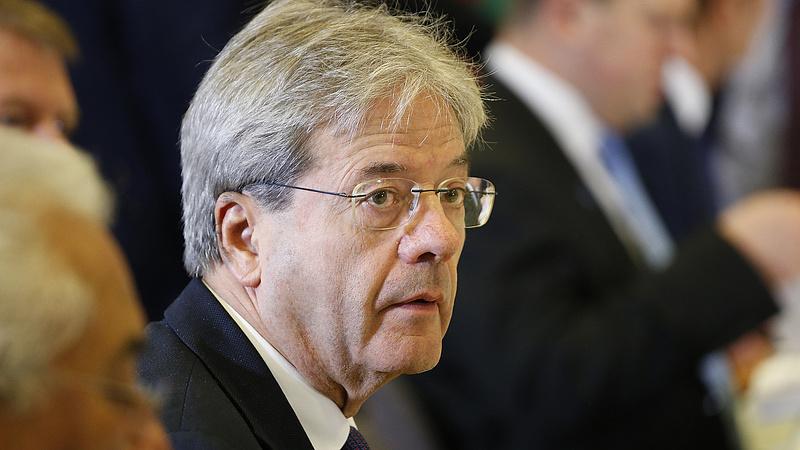 Feloszlatták az olasz parlamentet - jönnek a választások