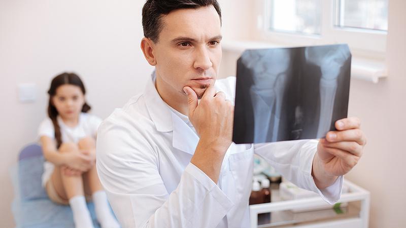 Ingyenhitelt kapnak az orvosok