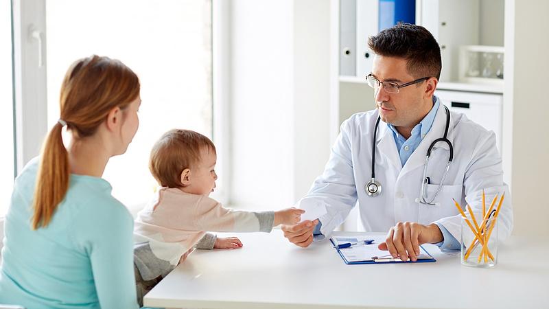 Nagy a baj - Eltűnhet a házi gyerekorvosi rendszer