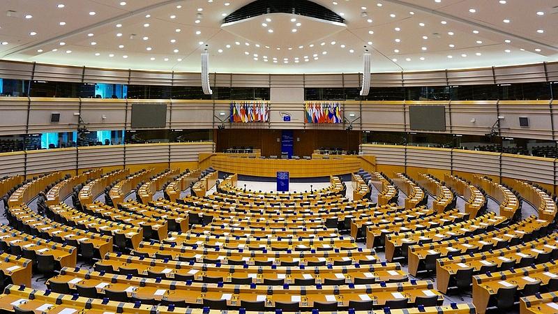 Merkel embere menti meg a magyar kormányt
