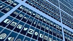 Brutális bírságot varrnának a Google, a Facebook és a Twitter nyakába a britek