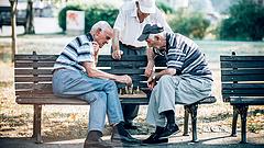 Már plázabezárással fenyeget a nyugdíjhelyzet