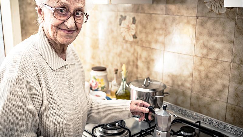 Jó hír a nyugdíjasoknak: bejelentettek egy törvénymódosítást