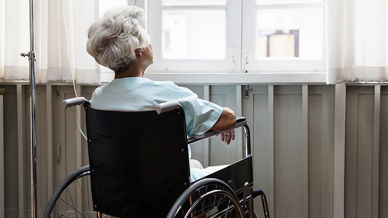 Változik a fogyatékkal élők ápolási díja