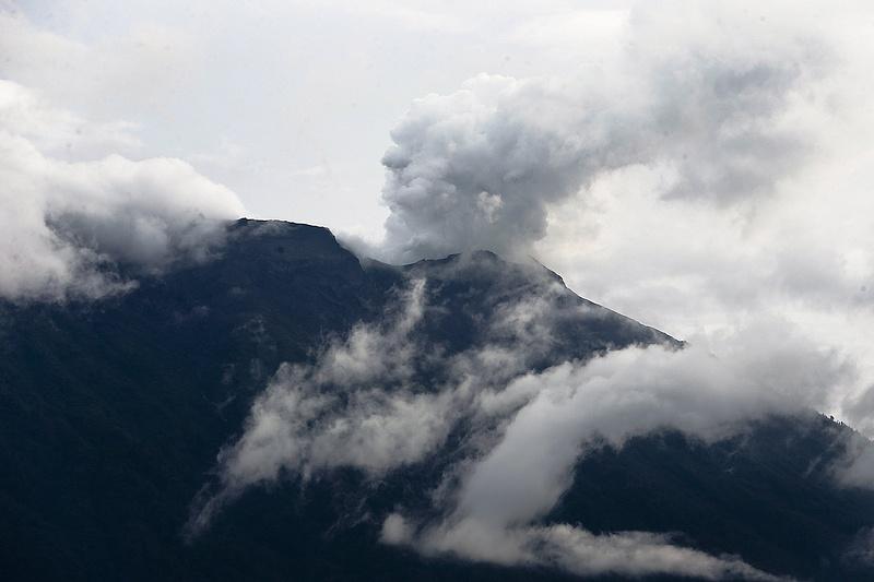 Vulkánkitörés miatt cunami-veszélyre figyelmeztetnek a Fülöp-szigeteken
