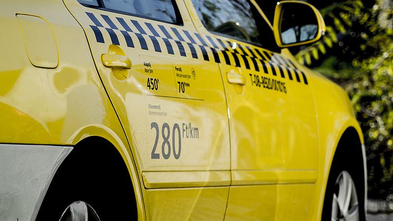 Tarlóséknak nem áll érdekében drágítani a taxikat