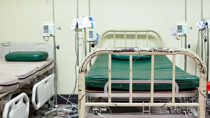 Magyar kórházak - ezer beszállító vár a pénzére