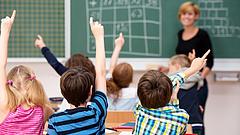Az állam rövidít a pórázon az iskolákban