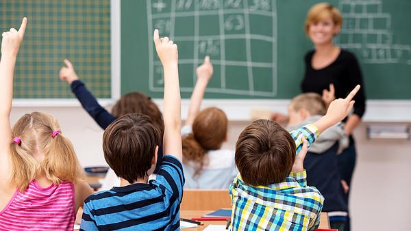 A minimálbér 200 ezerre emelése nem érinti a pedagógusbéreket