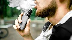 E-cigaretta: rájöttek, mi okozza az ér-, agy- és tüdőkárosító károsító hatást