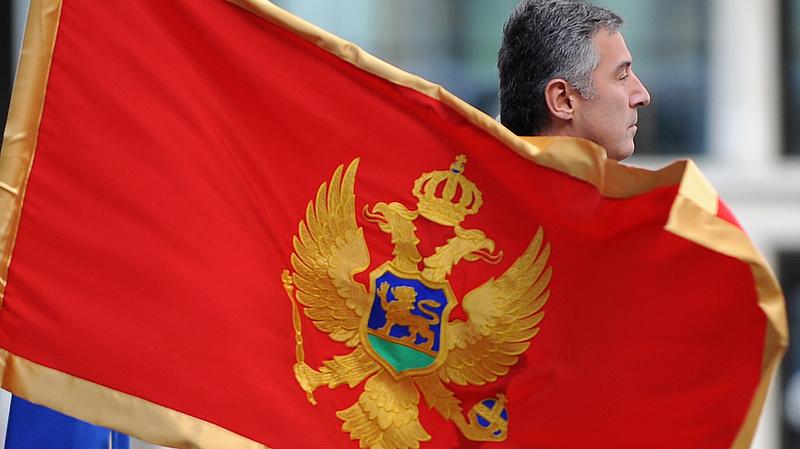 Tiltakozások ellenére elfogadták a vitatott egyházügyi törvényt Montenegróban