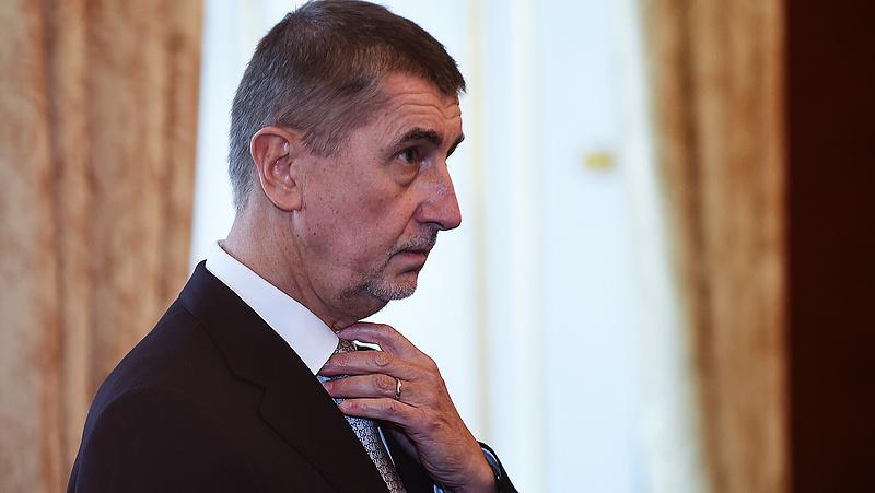 Január közepén lemondhat a cseh kormány