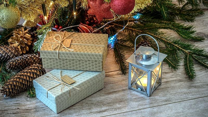 Két konténernyi karácsonyi díszfényre csapott le a fogyasztóvédelem