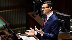 Felpörög a járványüzemmód a lengyeleknél