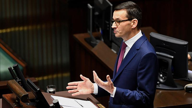 Nem kapkodják el az oltási igazolvány bevezetését a lengyelek
