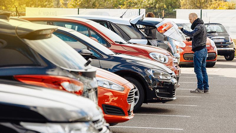 Tart a használt autó vásárlásától? Applikáció az átverések ellen
