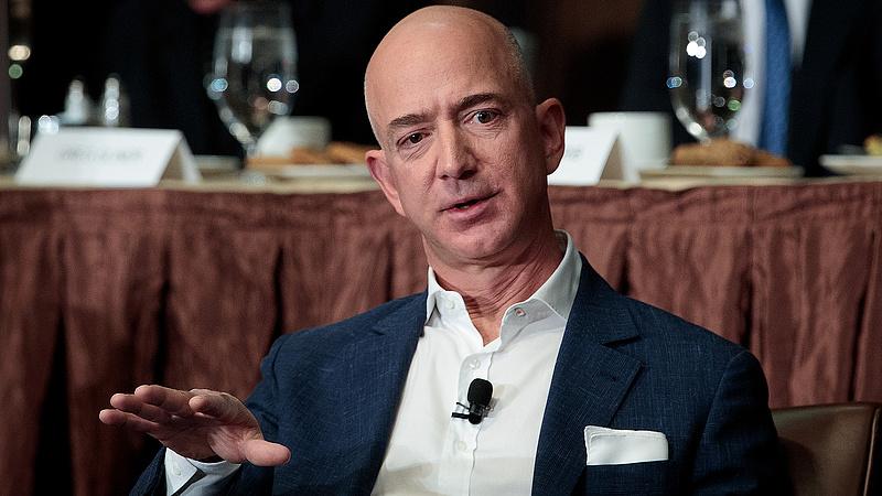 Háromezer milliárdot adományoz klímavédelemre Jeff Bezos