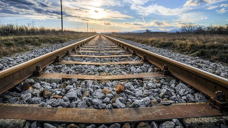 Leállt a vonatközlekedés - baleset történt Monorierdőnél