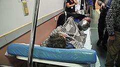Órákig a padlón fektették a beteget egy budapesti kórházban