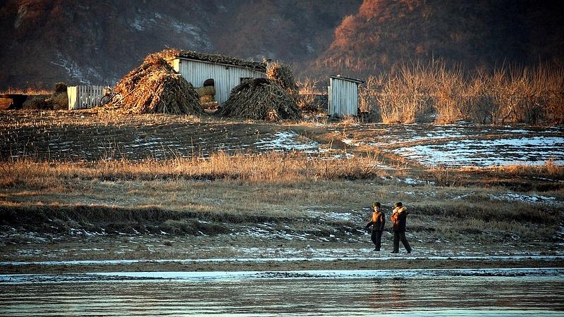 Valamit fúrnak Észak-Koreában