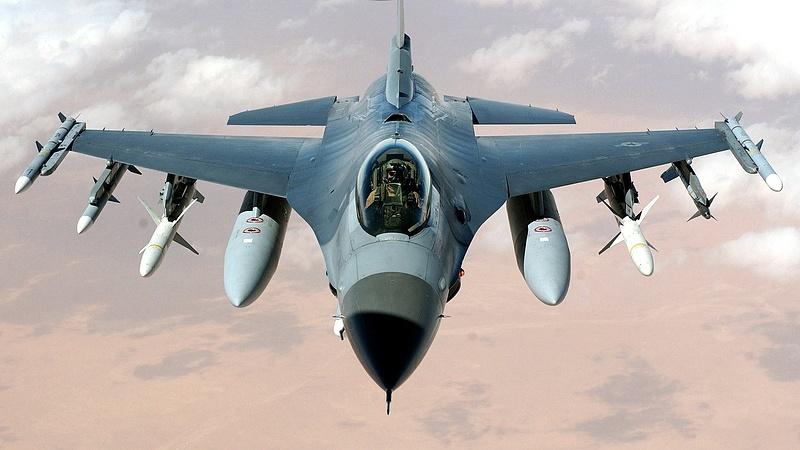 Orosz bombázókat tartóztattak fel belga F-16-osok