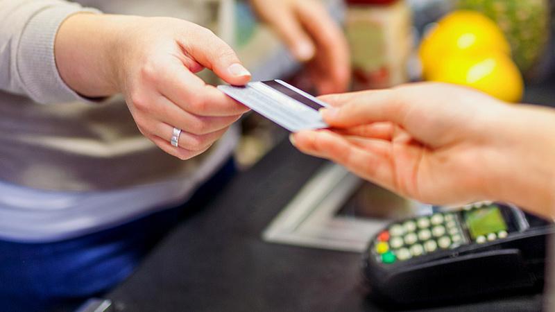 Hitelkártyát használ? Kevesebb kedvezményt vehet igénybe