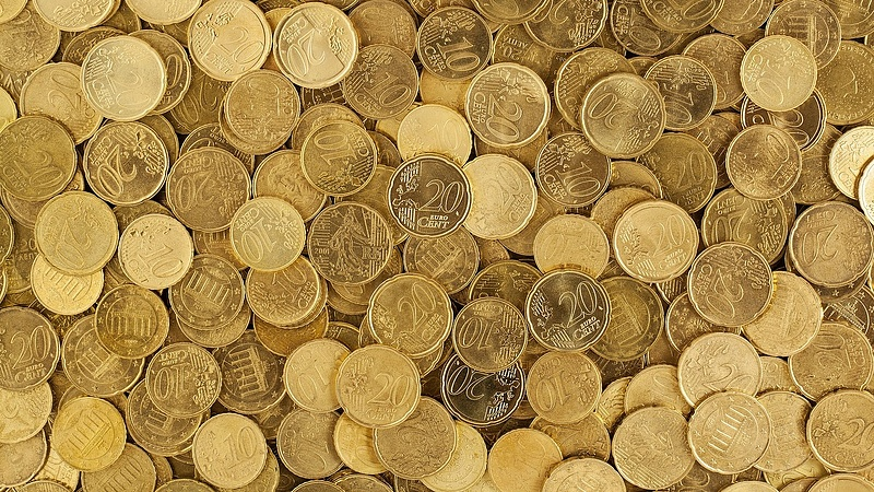 Kissé erősödött a forint az euróhoz képest