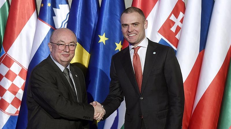 Titokban tárgyalhat Magyarország több száz millió euró elköltéséről