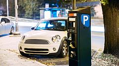 Elképesztő parkolási tarifákkal sokkolnak a magyar kórházak