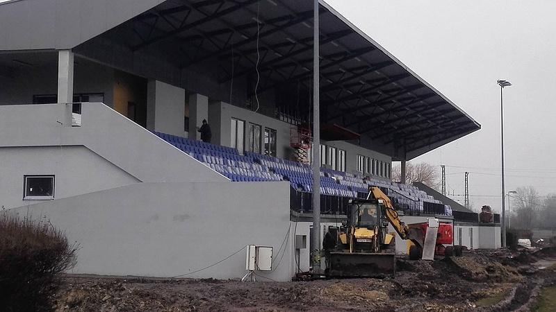 Börleszkbe fordult a majd' félmilliárdos stadionépítés