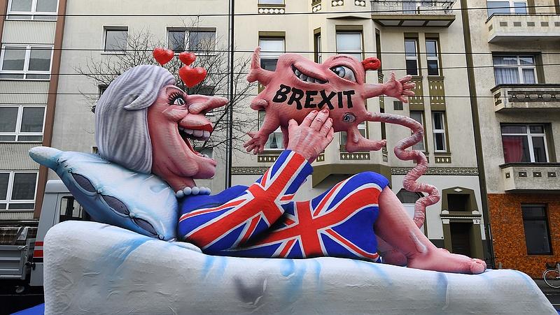 Meredeken lassult a brit gazdaság növekedése