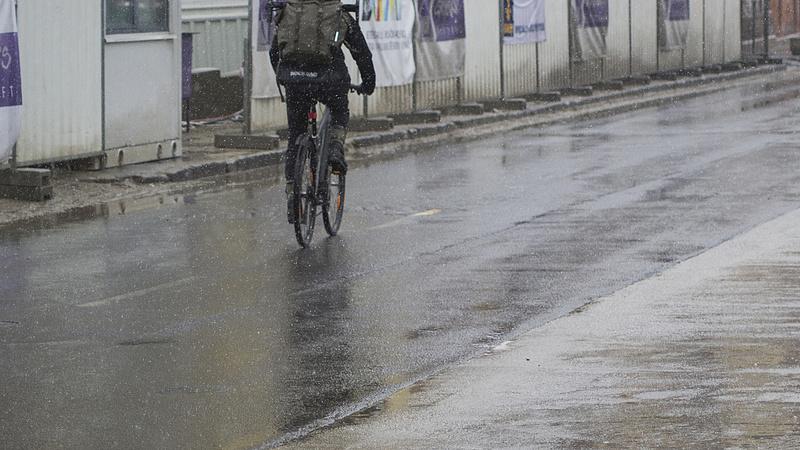 Gyalogos-kerékpáros híd épül a Dunán