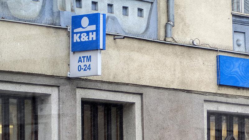 Baj van a K&H Banknál