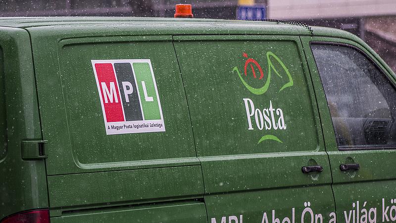 Nagyon rossz hírt kapott a Magyar Posta