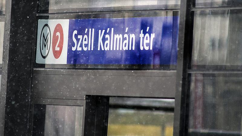 Beoltják a metró dolgozóit