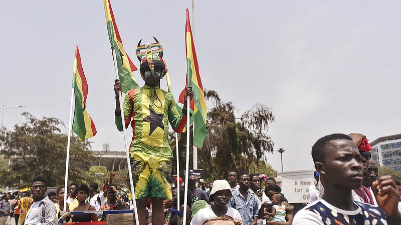 Déli nyitás: Ghánából vár pénzt a külügy