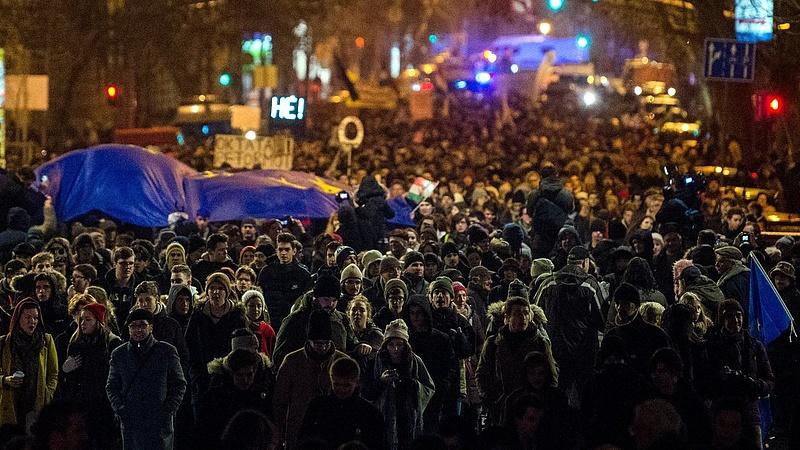 Lezárásokkal készül a főváros a szombati tüntetésre