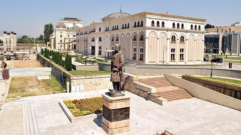 Macedón névváltoztatás - az elnök nem írja alá a törvényt