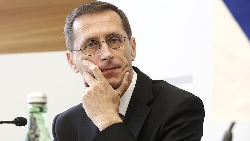 Baráti hangot ütött meg Varga Mihály az IMF-fel szemben