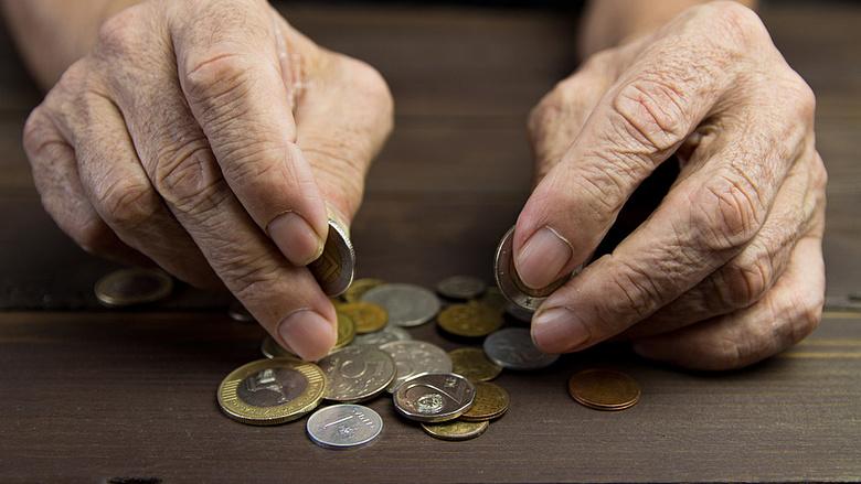 nyugdíjas pénzt