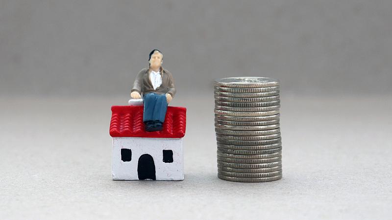 Kiderült: ennyit keres egy ingatlanközvetítő